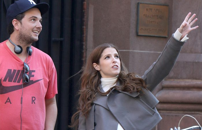 "[Photo] Anna Kendrick - sporting a baby bump for her new series ""Love Life"""